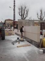 Création et pose d'un chantier en pierre massive pour un cabinet dentaire